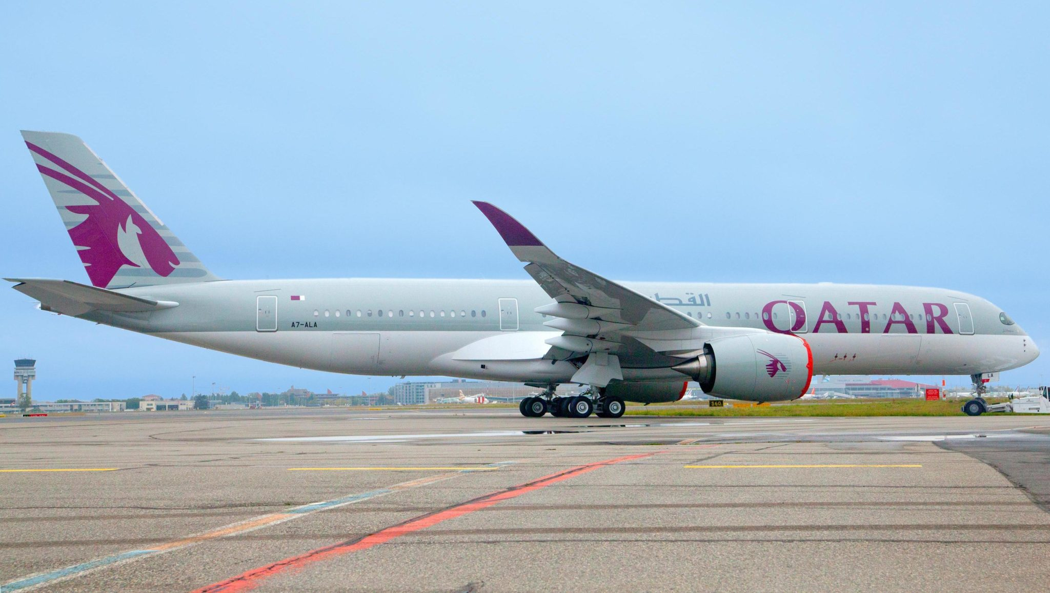 Qatar airways first a350 900 visible with official photo leeham news