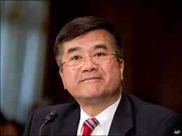 Gary Locke, Washington governor from 1996-2004, was caught napping when Boeing moved its headquarters from Seattle to Chicago in 2001 and again when Boeing nearly located the assembly line for the 7E7 in North Carolina. Photo: KOMO News.