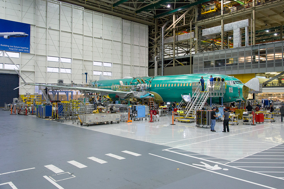 737 MAX wing join with pylon