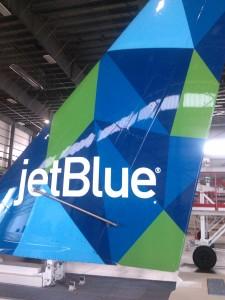 JBLU A321 tail