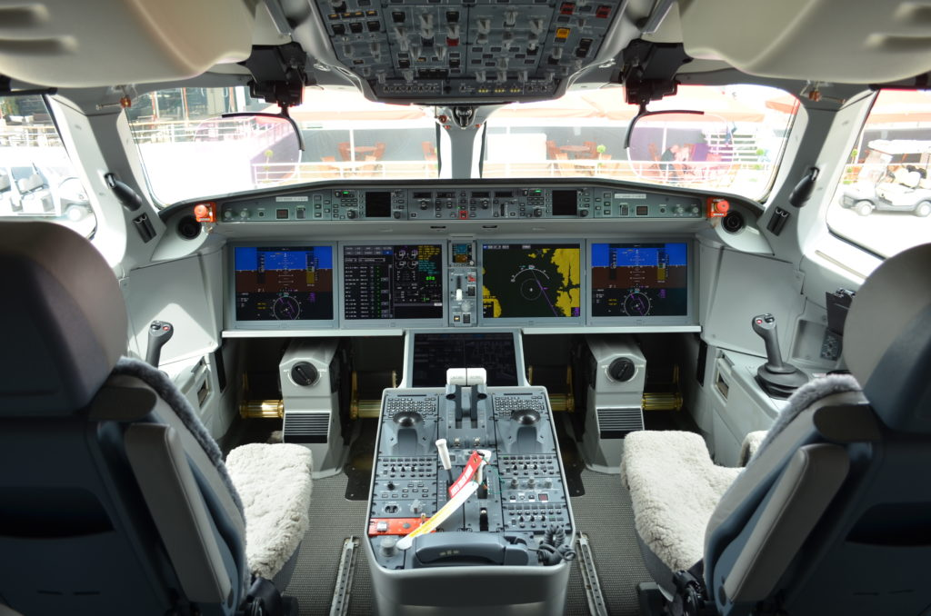 C Series flight deck